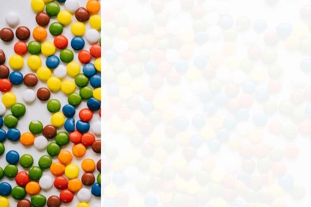オーバーレイ効果のあるカラフルなキャンディー