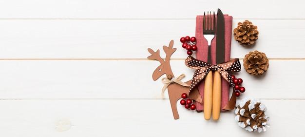 装飾が施されたカラフルなクリスマスの背景