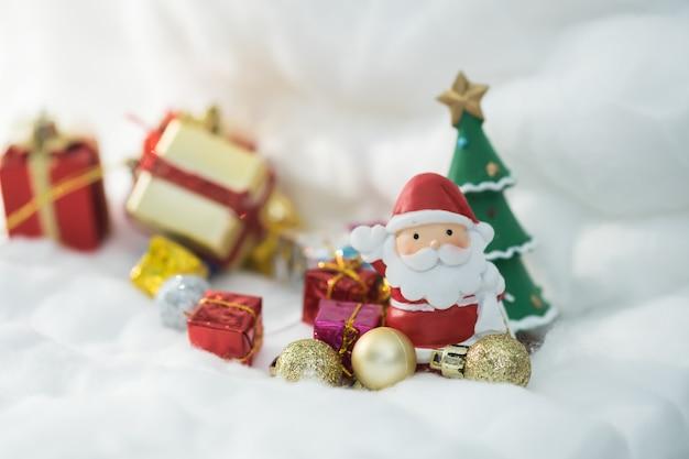 화려한 크리스마스 문자 및 장식.