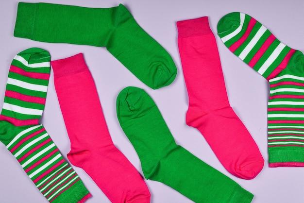 Красочная коллекция хлопковых носков.