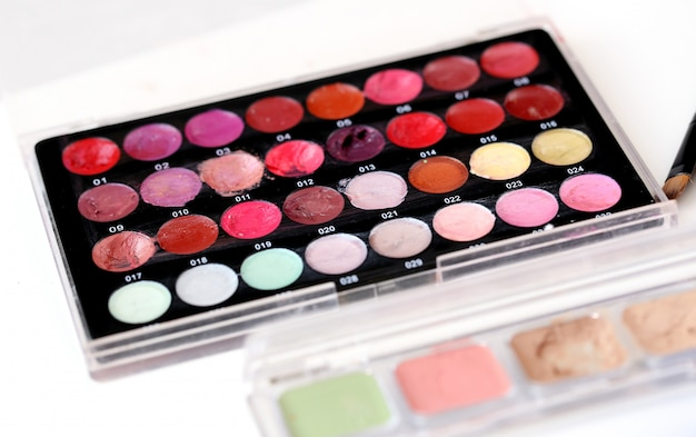Colorful cosmetic powders