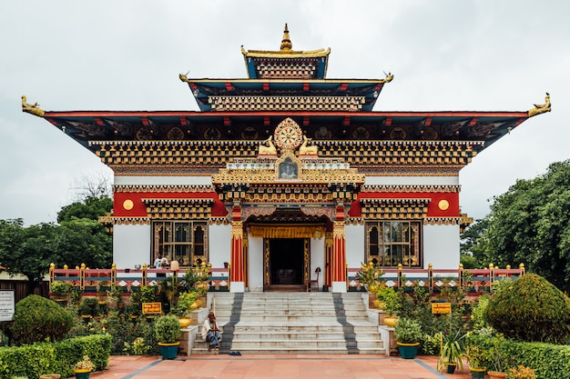 Colorful decorated facade in bhutanese style of the royal bhutanese monastery with copy space in bodh gaya, bihar, india.