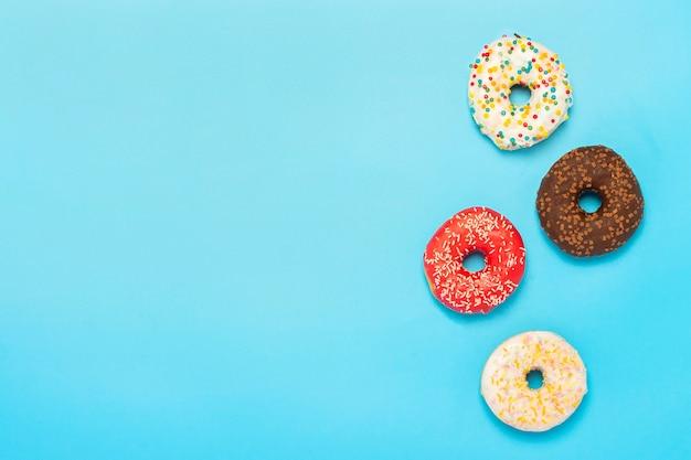 Разноцветные пончики разных видов