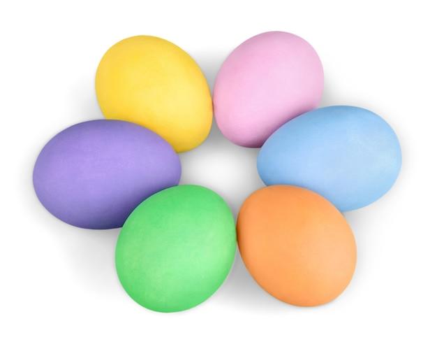 다채로운 부활절 달걀 흰색 절연