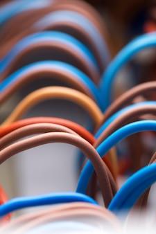 Красочные электрические провода