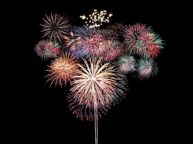 새 해 개념에 검정, 불꽃 놀이 축제에 화려한 불꽃 놀이