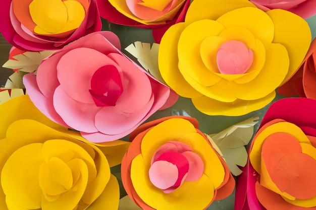 カラフルな花の紙の背景のパターン素敵なスタイル。