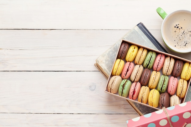 Colorful macaroons, sweet macarons