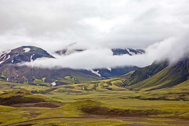 Landmannalaugar의 화려한 산 풍경