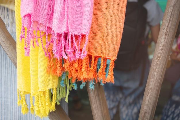 Красочные шелковые нитки, краска для тканей, хлопок, окрашенный натуральным предметом