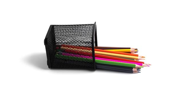 Цветные карандаши в органайзере изолированы на белом фоне. фото высокого качества