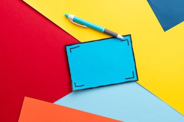 カラフルなパーペクティブ、ポジティブシンキング、クリエイティブなアイデアのインスピレーション、陽気な熟考、明るく活気のある職場のデザイン、派手なオフィスコレクションノートブック