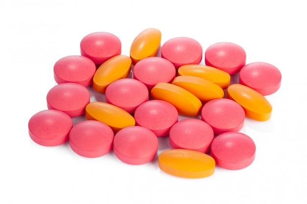 分離されたカラフルな錠剤