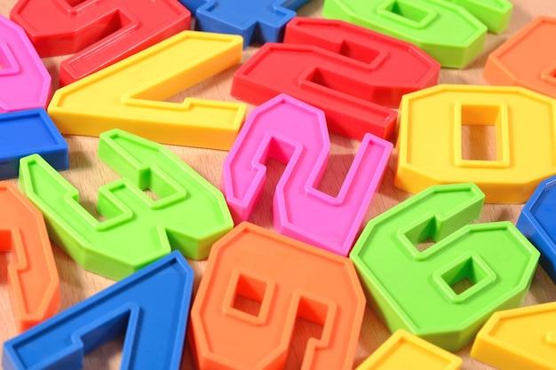 Цветные пластиковые номера