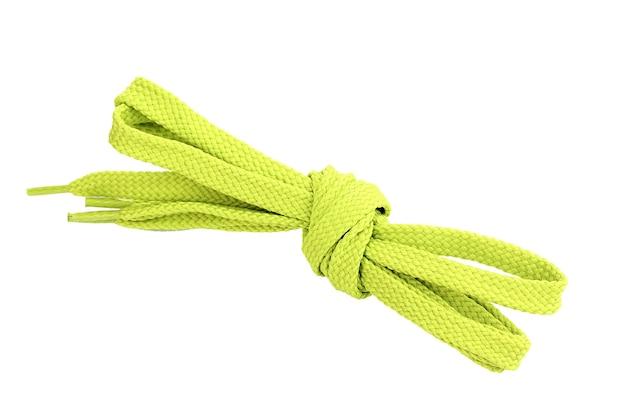 Красочные шнурки, изолированные на белой поверхности