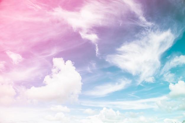 Красочное небо и облака.
