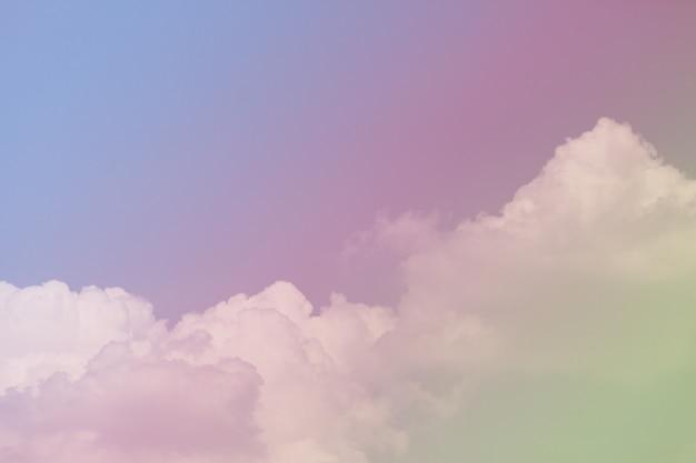 Красочное небо с красивыми облаками