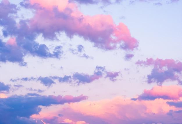 夕焼け雲とカラフルな空