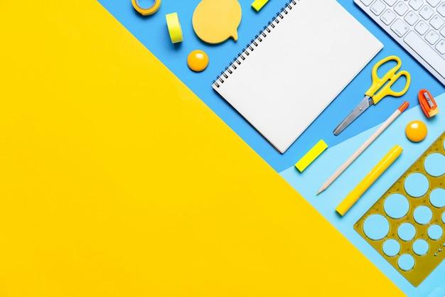 Красочные стационарные в концепции творческой школьной работы, copyspace