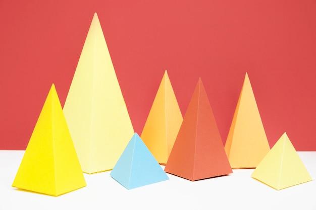 カラフルな三角紙パック