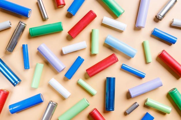 Разноцветные никель-металлогидридные (ni-mh) батареи