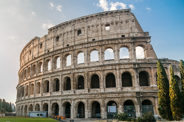 Colosseum in rome italy during sunrise rome architecture and landmark