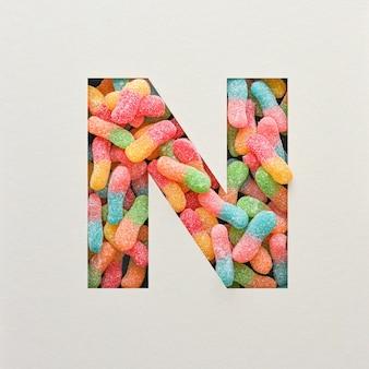 다채로운 글꼴 디자인, 젤리가있는 추상 알파벳 글꼴, 사실적인 타이포그래피-n