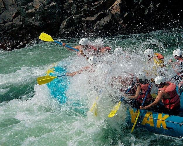 Columbia fraser river british canada rafting