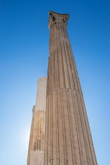 Колонны храма зевса олимпийского в афинах, греция