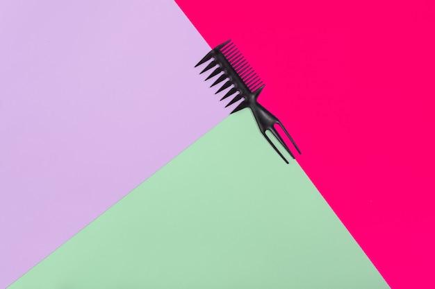 색상 핑크라일락 녹색 종이 배경 평면도에 빗