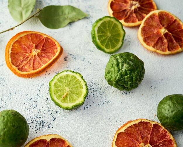ブラッドオレンジチップとフレッシュカフィアライムの組み合わせ