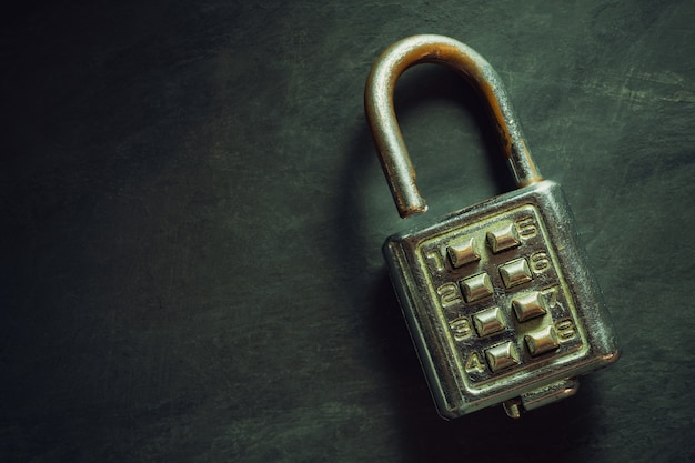 Combination padlock o