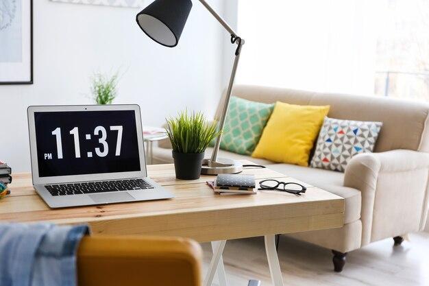 Комфортное рабочее место в офисе