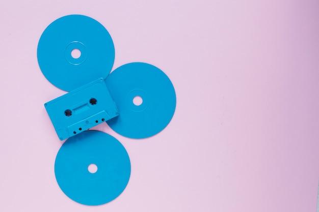 Компактная кассета на пластиковых дисках