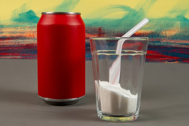炭酸飲料の缶に入った砂糖の量の比較