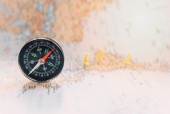 Compass on defocused map