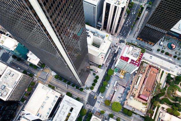街並みの複雑な空中写真