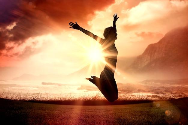 Составное изображение блондинки в великолепной форме, прыгающей с распростертыми объятиями
