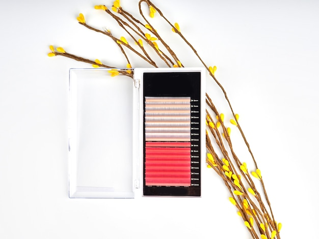 Composition of colored eyelashes for extension with flowers, two-color pallets.