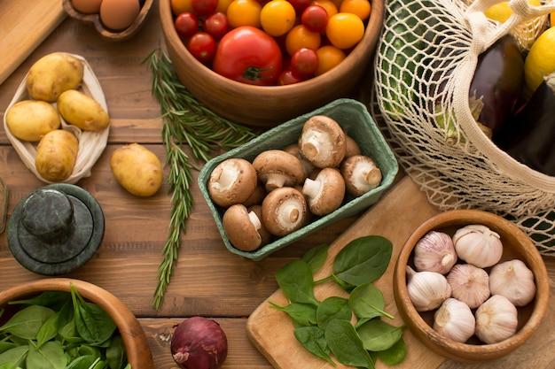 Composizione di diversi ingredienti deliziosi
