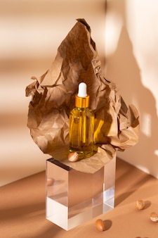 Composizione del contagocce di olio di argan naturale