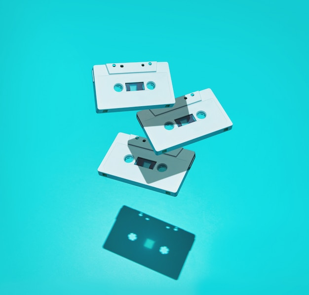 그림자가있는 오디오 카세트 테이프의 구성