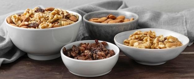 Композиция из вкусных ингредиентов на кухне