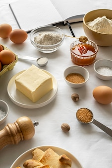 다양한 음식과 재료의 구성