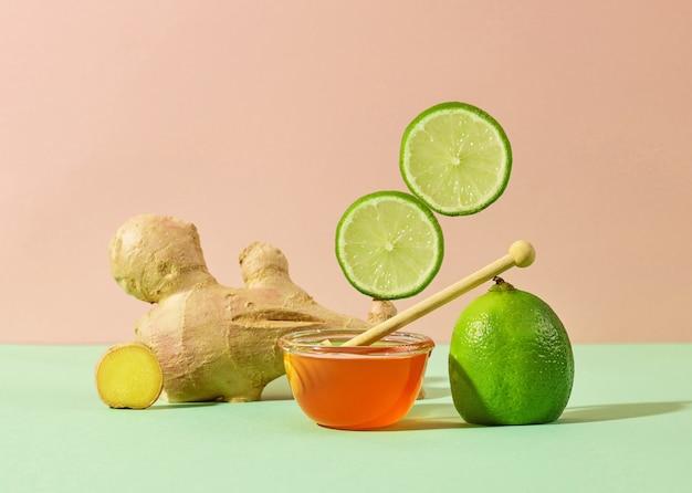 生姜、はちみつ、ライムの組成、健康に良い組み合わせ