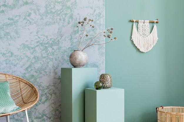Композиция интерьера гостиной с макетом картины и аксессуарами в стиле бохо.