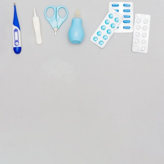 Composition of medical objects with copyspace