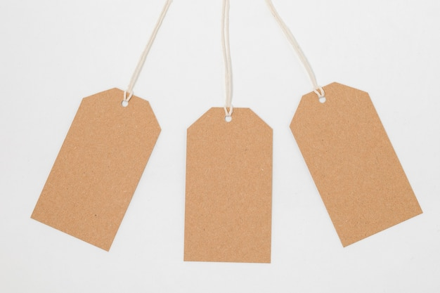 リサイクル可能な包装タグの構成