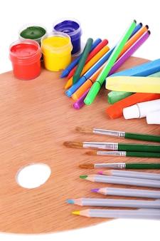 白のさまざまな創造的なツールの構成