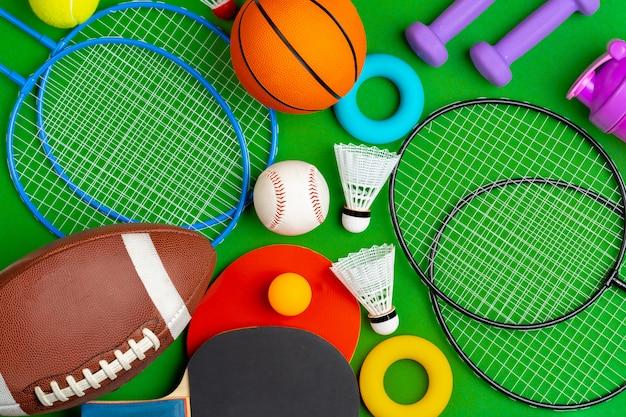 Состав различного спортивного инвентаря для фитнеса и игр